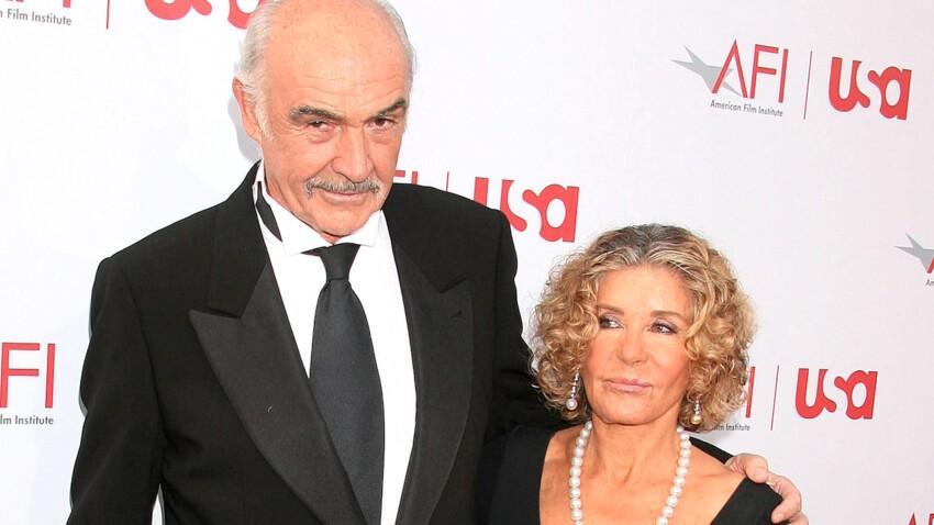 """Sean Connery """"n'arrivait plus à s'exprimer"""" : sa femme parle de ses derniers jours"""