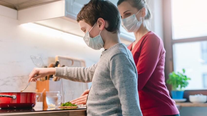 Masque à la maison pour les lycéens : la proposition choc de ces médecins