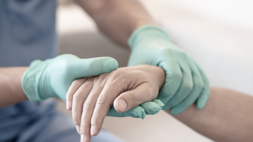 Lymphomes non hodgkiniens : quels sont les symptômes de ces cancers du système immunitaire ?