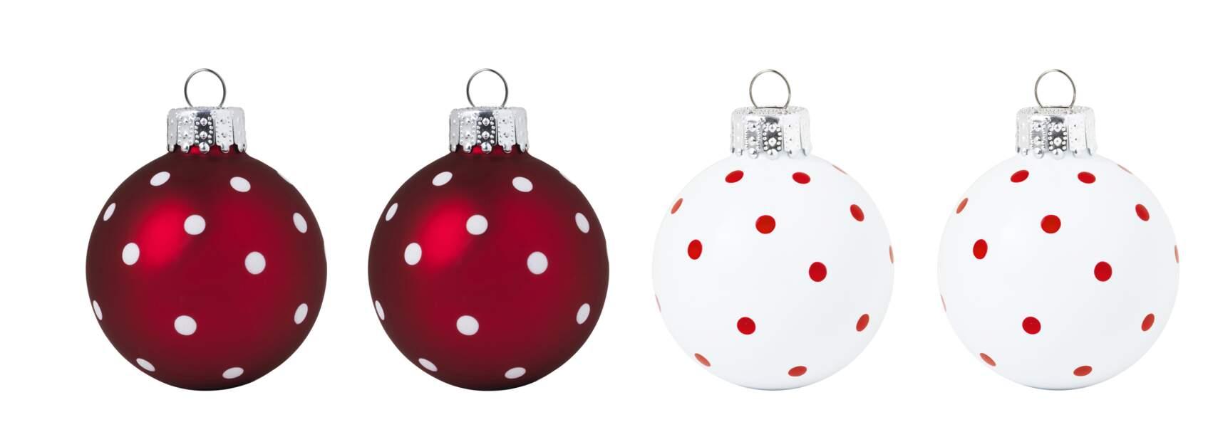 Boules de Noël à pois