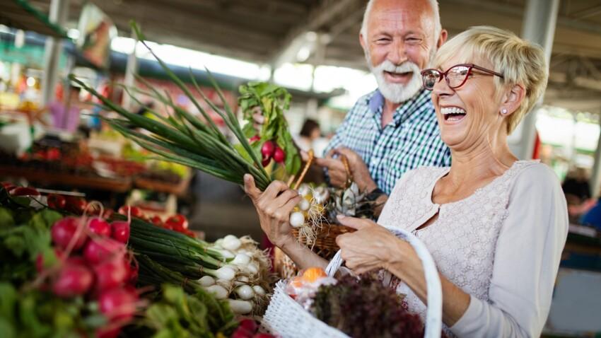 Michel Cymes : ses 5 conseils indispensables pour manger sain