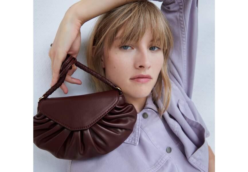 Un sac en bandoulière