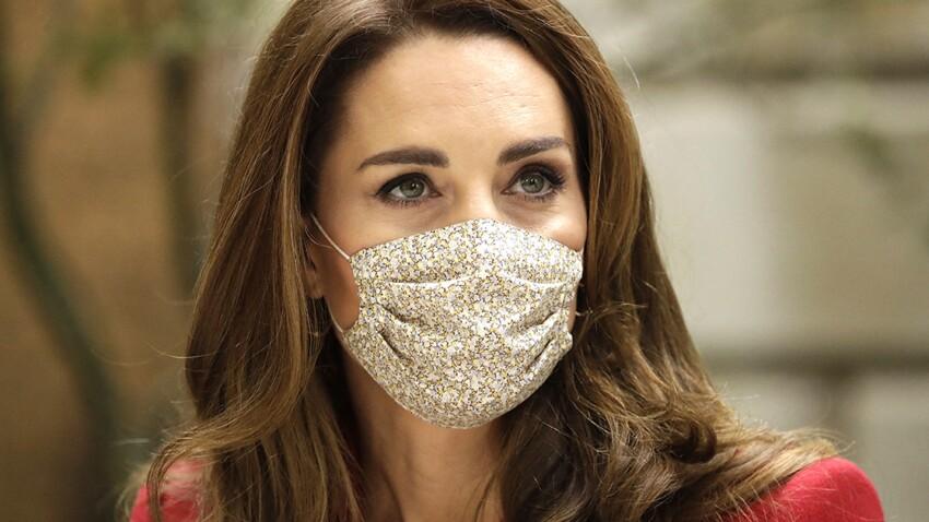 Kate Middleton adopte le détail tendance (et pas cher) du moment sur son chemisier…