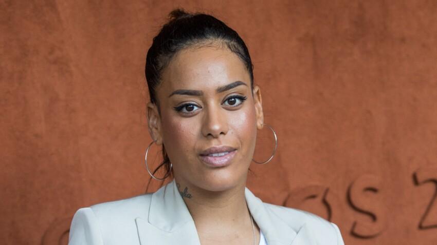 Amel Bent irrésistible : elle dévoile ses dessous dans une chemise tout en transparence (wow !)