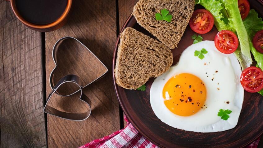 La recette de l'œuf au plat stylé de Merouan Bounekraf