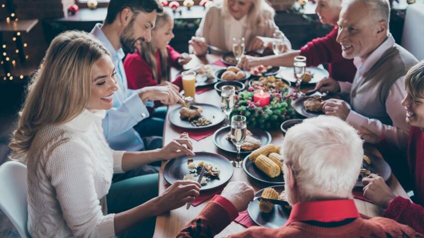 """""""On coupe la bûche en deux, papy et mamie mangent dans la cuisine"""" : les conseils du Pr Salomon pour passer Noël en famille"""