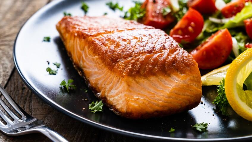 Saumon à la poêle : comment bien le cuire à l'unilatéral ?