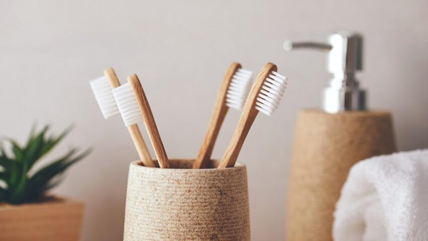 L'erreur (potentiellement dangereuse) que l'on fait toutes avec notre brosse à dent
