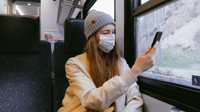 Masque : pourquoi il vaut mieux éviter de croiser les élastiques