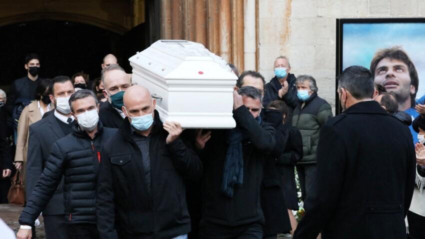 Obsèques de Christophe Dominici : le dernier hommage de sa femme, ses filles, ses parents et ses proches - PHOTOS