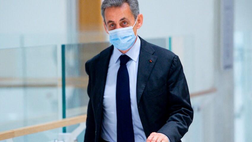 """""""Des sanglots dans la voix"""" : Nicolas Sarkozy très ému au tribunal"""