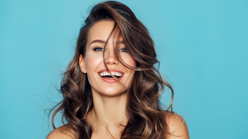 Cheveux blancs : découvrez cette huile miraculeuse qui ralentit leur apparition
