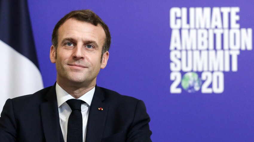 """""""Tu me manques"""": ce SMS séducteur d'Emmanuel Macron à un célèbre homme politique"""