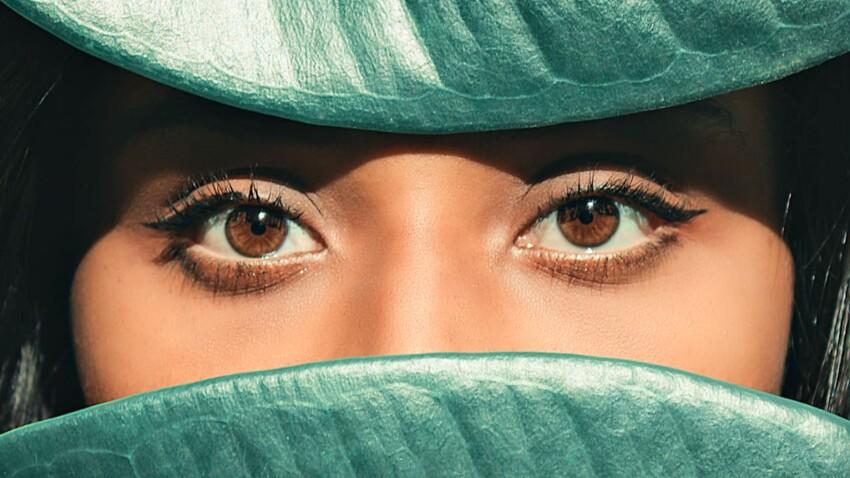 Le cat eye : la tendance maquillage de l'automne-hiver 2020 prisée par les stars