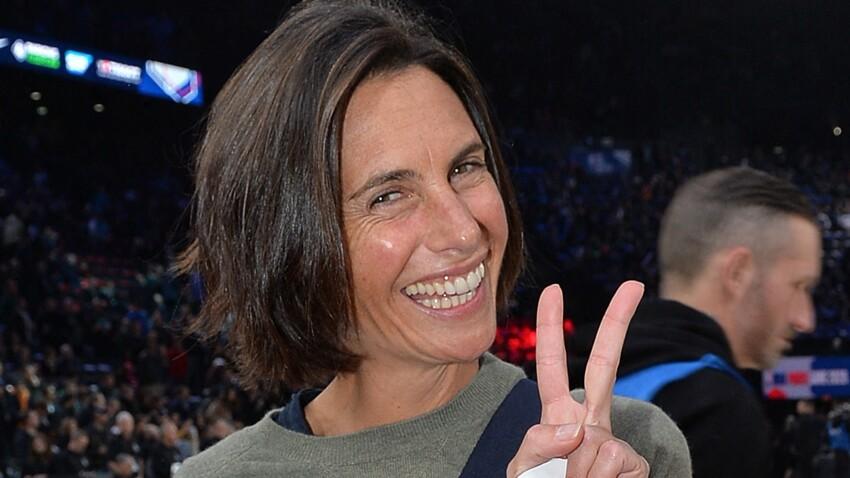 Alessandra Sublet ultra-tendance : baskets des années 90 et chemise incontournable (wow !)