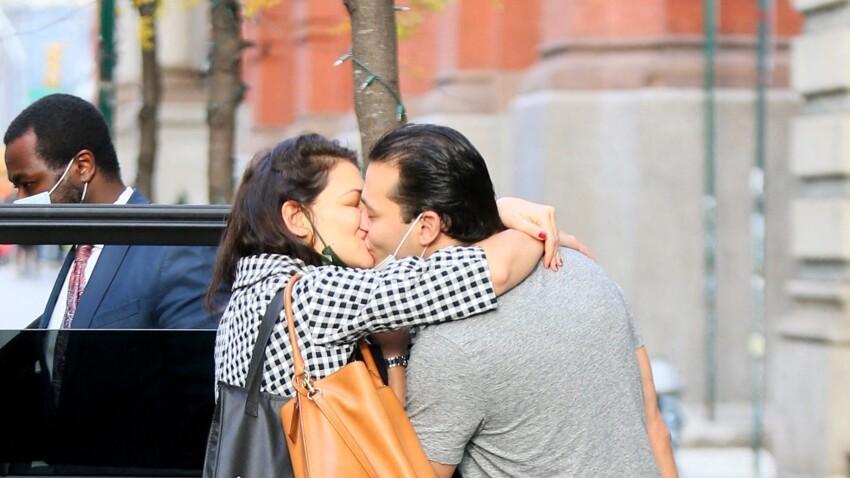 Katie Holmes en couple : fou d'amour, Emilio officialise leur relation