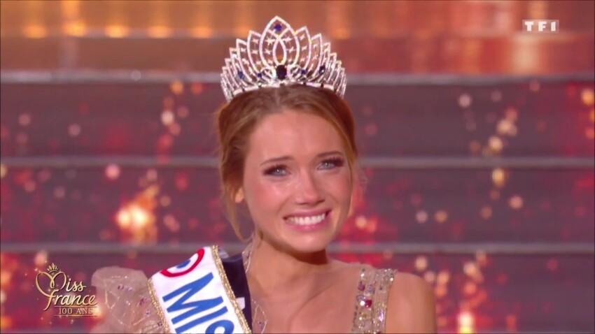 Amandine Petit (Miss France 2021) taquine face à Jacques Legros au JT de 13h