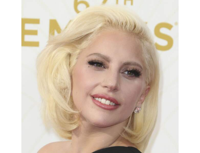 Le carré mi-long de Lady Gaga