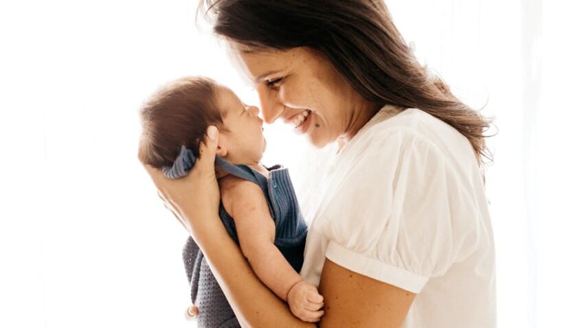Cadeau de naissance : 30 idées cadeaux à offrir à une jeune maman