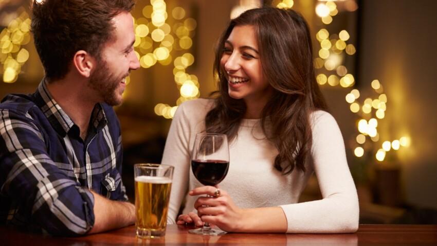 Alcool : ne pas faire de mélanges permet-il (vraiment) d'éviter la gueule de bois ?