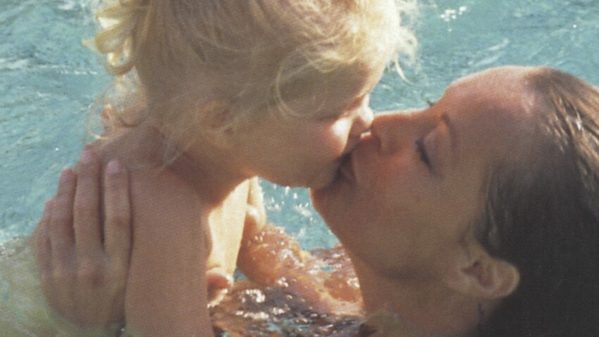 Romy Schneider : ce jour effroyable où sa fille Sarah Biasini apprend que sa tombe a été profanée