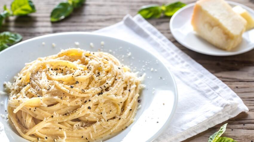 """""""Tous en cuisine"""" : la recette des spaghettis au fromage et poivre (caccio e pepe) de Cyril Lignac"""