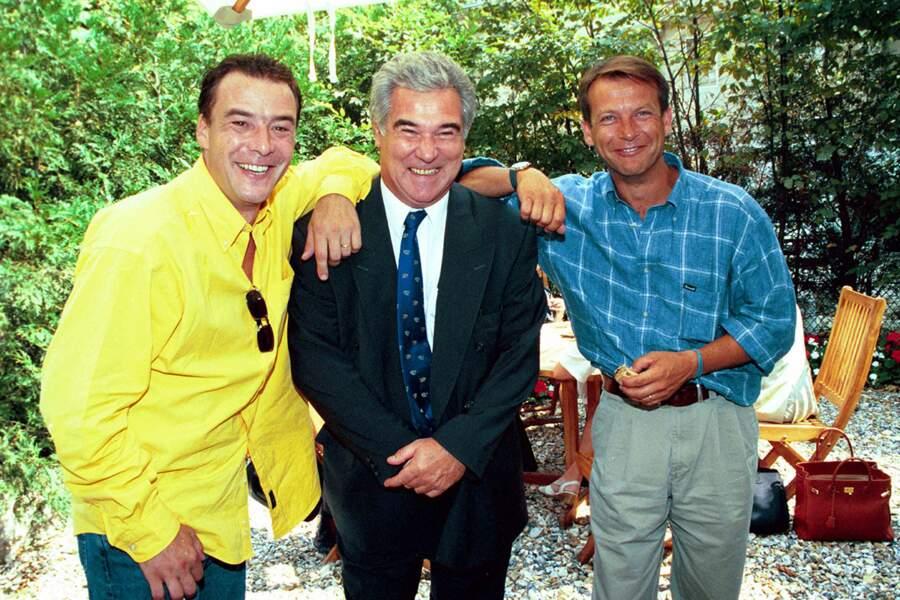 Georges Pernoud est resté fidèle à France 3 où il aura fait toute sa carrière. Sur la photo, il est accompagné par Pascal Brunner et Laurent Bignolas, à la rentrée de France 2 et de France 3, en 1999.
