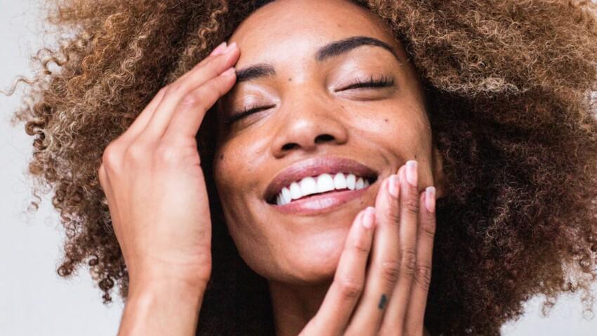 Dents blanches : l'astuce géniale pour blanchir ses dents avec deux fruits et légumes