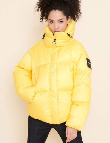 Trendy şişme ceket: güneşli