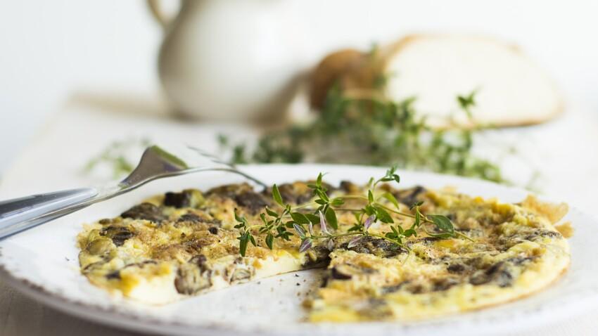 """""""Tous en cuisine"""" : la recette de l'omelette aux champignons et crème au vin jaune de Cyril Lignac"""