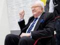 """Jean-Marie Le Pen se marie à 92 ans : ses 3 filles """"choquées"""" d'avoir été écartées"""