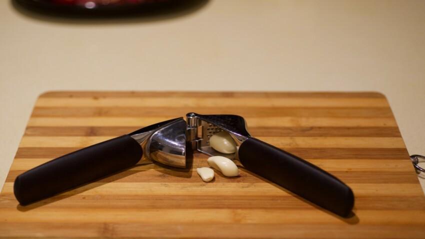 3 super astuces pour nettoyer facilement son presse-ail