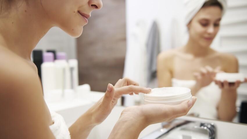 4 gestes pour prendre soin de sa peau pendant la nuit