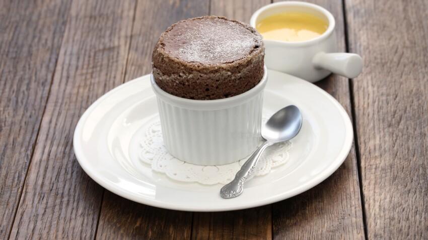 Les secrets de Cyril Lignac pour réussir un délicieux soufflé au chocolat