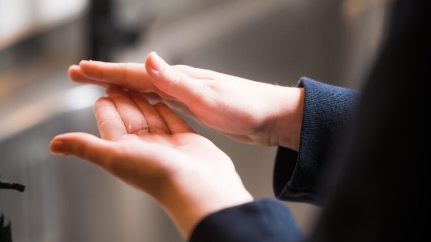 Gel hydroalcoolique : Michel Cymes révèle les erreurs fréquentes qui le rendent inefficace