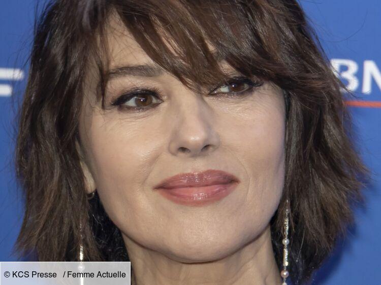 Monica Bellucci adopte une toute nouvelle coiffure classe et prisée en 2021