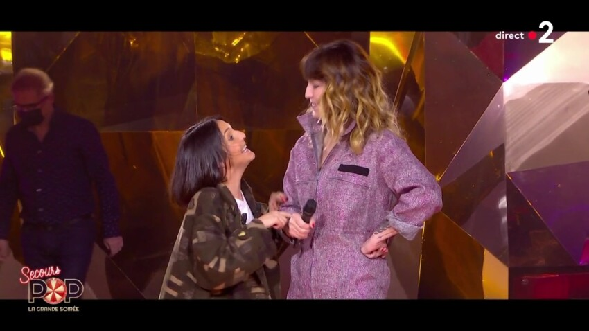 """""""Secours Pop : la grande soirée"""" : Florence Foresti zappe les gestes barrière, les internautes sous le choc"""
