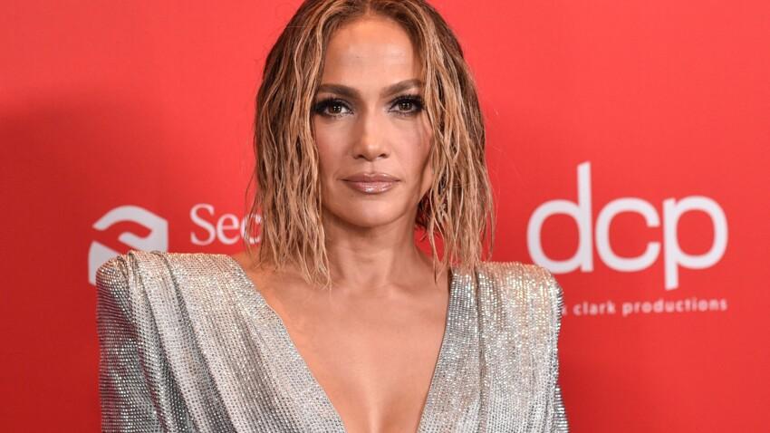 Jennifer Lopez change totalement de look et passe à la coupe garçonne