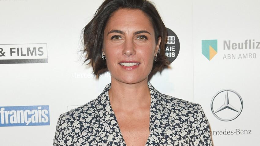 Alessandra Sublet irrésistible dans une chemise au top des tendances (trop belle !)