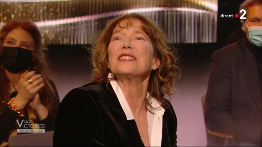 """""""Victoires de la Musique"""" 2021 : Jane Birkin émue aux larmes après l'hommage de sa fille Lou Doillon"""