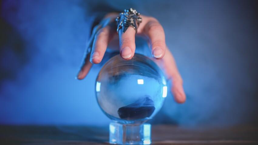 Boule de cristal : divination, croyances et précautions
