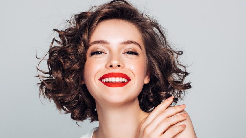Cheveux bouclés : les meilleurs soins capillaires à adopter cette année