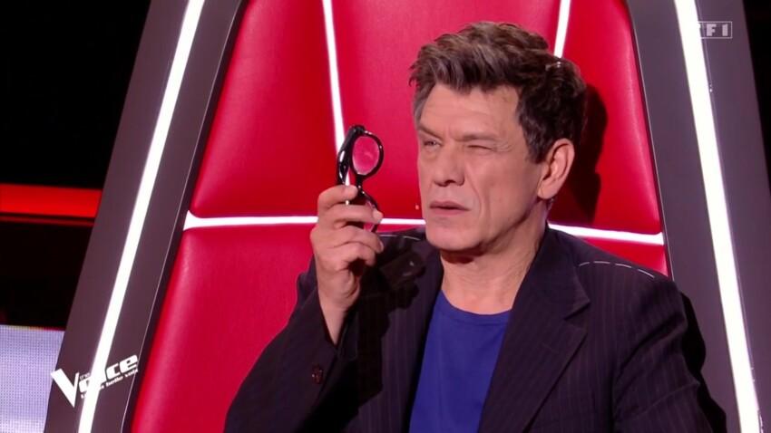 """""""The Voice"""" : pourquoi Marc Lavoine effectue-t-il ce geste bizarre avec ses lunettes ?"""