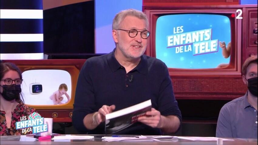 """Une célèbre chanteuse provoque un malaise sur le plateau des """"Enfants de la télé"""""""