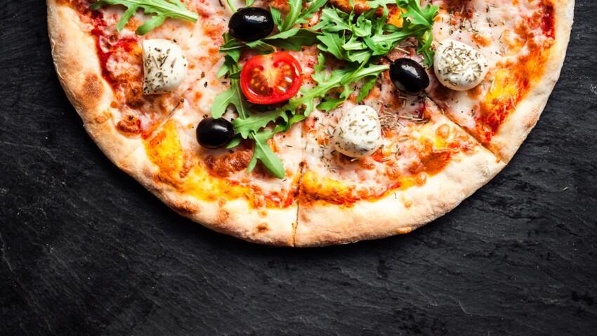 Pizza au micro-ondes : la recette facile prête en moins de 2 minutes