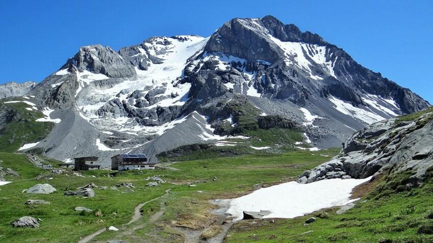6 montagnes d'exception à découvrir l'été en France et en Italie