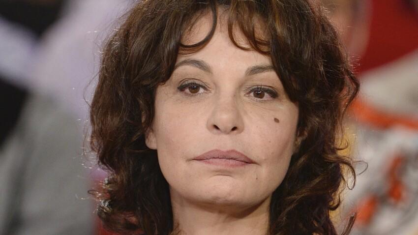 """Isabelle Mergault s'en prend violemment à Line Renaud et choque l'équipe des """"Grosses Têtes"""""""