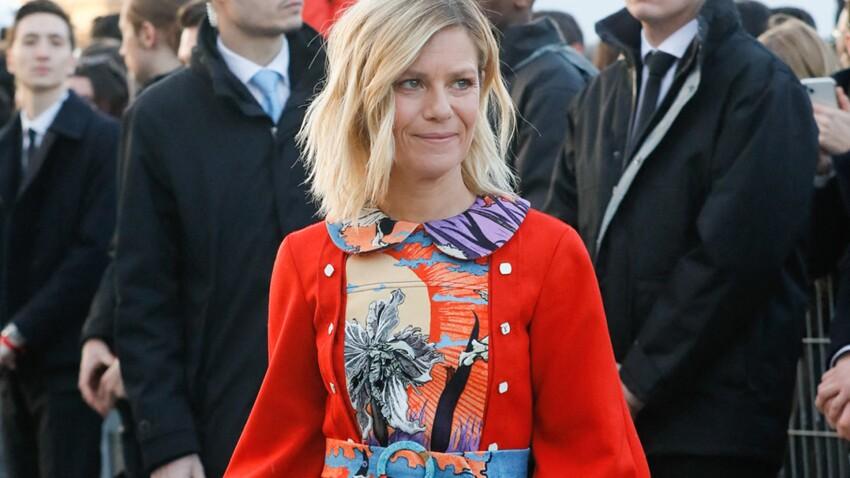 Marina Foïs mixe la doudoune la plus tendance du moment avec un blazer (et c'est canon!)