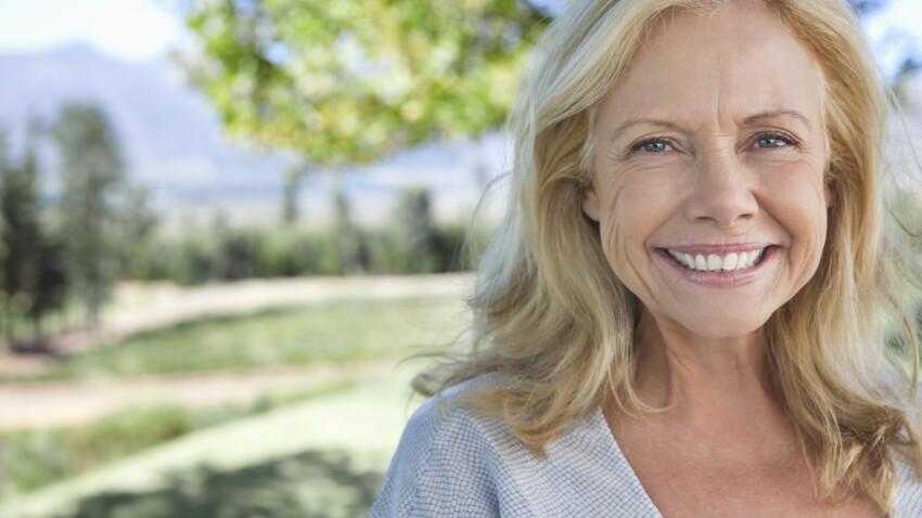 Rides : 3 mauvaises habitudes qui nous vieillissent (à abandonner d'urgence !)