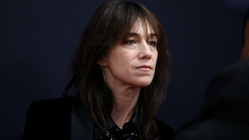 """""""Je n'ai pas su gérer"""" : Charlotte Gainsbourg revient sur la mort de son père, Serge Gainsbourg"""
